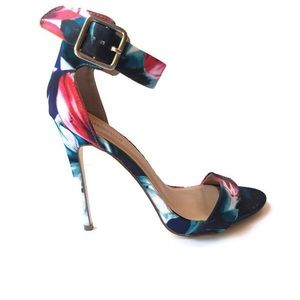 JustFab Floral Claire Sandal Heels in EUC